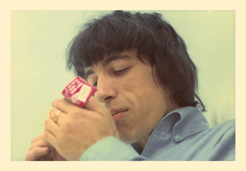 bill-wyman-rolling-stones-lights-up-1965